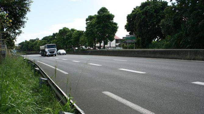La ministre des Transports, Elizabeth Borne a dévoilé les nouvelles mesures du gouvernement pour améliorer le réseau routier, dont la dégradation devient problématique aussi bien pour l'État que pour les usagers.
