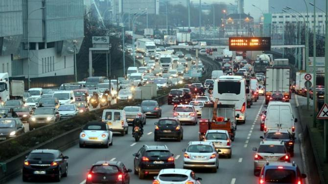 La Cour de justice européenne a reçu la semaine dernière une plainte conjointe de la part des mairies de Paris, Bruxelles et Madrid. En cause, la réglementation sur les émissions de d'oxydes d'azote par les véhicules automobiles.