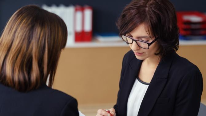 Comment remédier aux mois de janvier pour moitié occupés par la tenue des entretiens annuels ? Pour certains, la réponse réside tout simplement dans leur suppression.