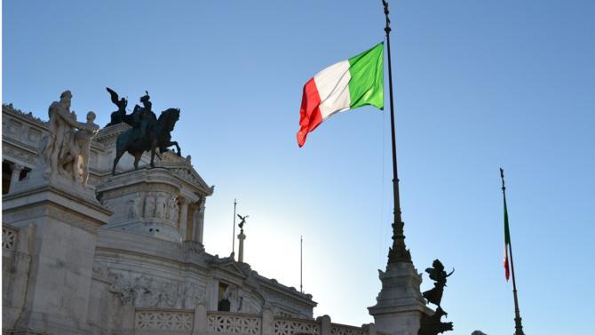 Malgré la nomination d'un nouveau gouvernement dans la soirée du jeudi 31 mai, le doute plane en Italie, plongeant les marchés dans une nouvelle spirale d'incertitudes.