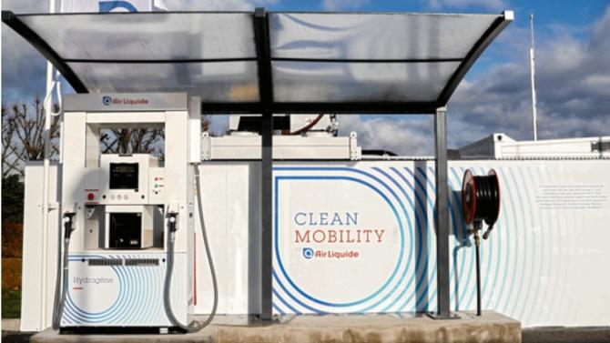 Nicolas Hulot a annoncé ce vendredi 1 juin le plan du gouvernement pour soutenir l'hydrogène. Au total, 100 millions d'euros vont être investis pour encourager les industriels et les collectivités à investir dans ce domaine.