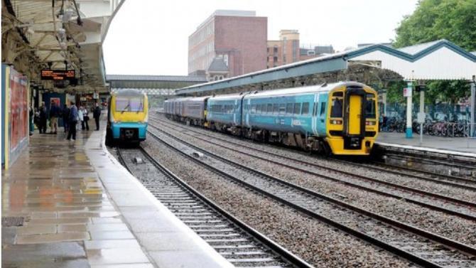 Keolis, la filiale de la SNCF a signé un contrat pour l'exploitation, la gestion et la rénovation du réseau ferroviaire gallois. Étendu sur une période de quinze ans, ce contrat devrait rapporter 6 milliards d'euros à l'entreprise.