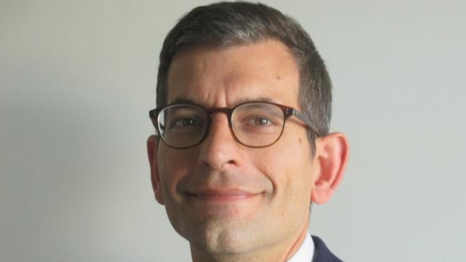 Bernard Demode, responsable du bureau français d'Eurohold, souhaite imposer la banque d'affaires d'origine espagnole en tant qu'acteur de référence sur le marché. Il compte notamment sur l'implantation internationale du réseau et son expertise dans les deals cross-borders.