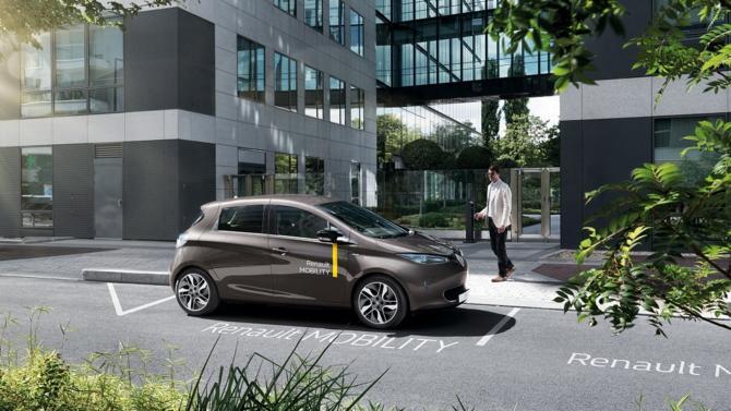 À l'heure de l'émergence des nouvelles mobilités au sein de nos villes et territoires, Renault Mobility propose un service d'auto-parage en deux volets, s'adressant à la fois au grand public et aux professionnels. Guillaume Naegelen, manager, revient avec nous sur les particularités de l'offre du Losange.