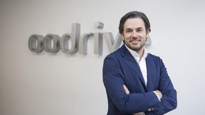 En septembre 2000, Stanislas de Rémur et ses deux associés ont fondé Oodrive pour créer le « premier disque dur sur Internet ». En quelques années, la société s'est positionnée avec succès sur le créneau des données sensibles. Si les organisations s'avèrent plus vulnérables que jamais à l'heure du cloud, les valeurs de sécurité et de confidentialité prônées par Oodrive séduisent à travers le monde.