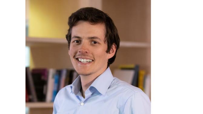 Invité avec les plus gros acteurs de la tech à l'Élysée le 23 mai dernier, OpenClassrooms, spécialiste des cours en ligne, a conclu un impressionnant tour de table de 60 millions de dollars une semaine auparavant. Pierre Dubuc témoigne de sa réussite et de la dimension d'entrepreunariat social dont la start-up fait sa philosophie.