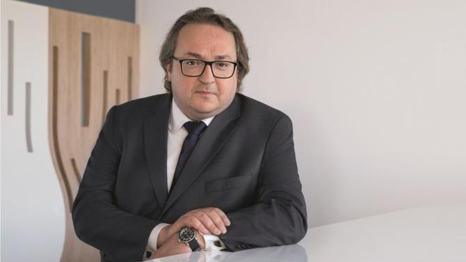 Face à l'appétit des investisseurs institutionnels pour les infrastructures de transition énergétique, la société de gestion Amundi TE a fait le pari de s'associer avec un industriel pour proposer des actifs alternatifs jusqu'alors absents des marchés. Rencontre avec Matthieu Poisson, à l'origine de ce partenariat inédit.