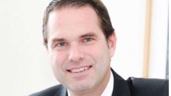 À Genève, Kellerhals Carrard se développe en fusionnant avec le cabinet local de Pfyffer Avocats et en intégrant une importante équipe de l'étude Python, formant ainsi le second plus grand cabinets du pays en nombre d'avocats.