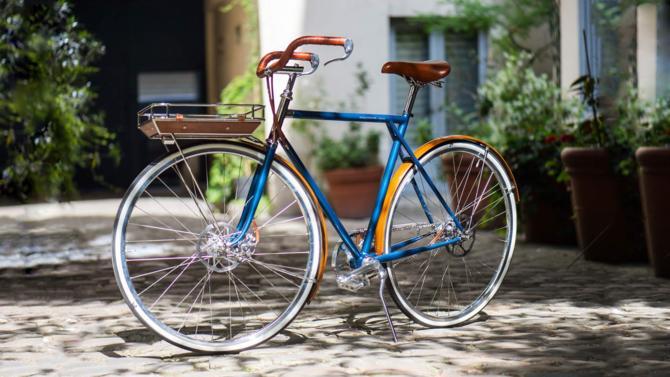 Nouveaux designs, nouveaux moteurs et performances, le nec plus ultra des vélos hybrides répond aux exigences des Parisiens tentés d'esquiver les embouteillages tout en maintenant leur condition physique.