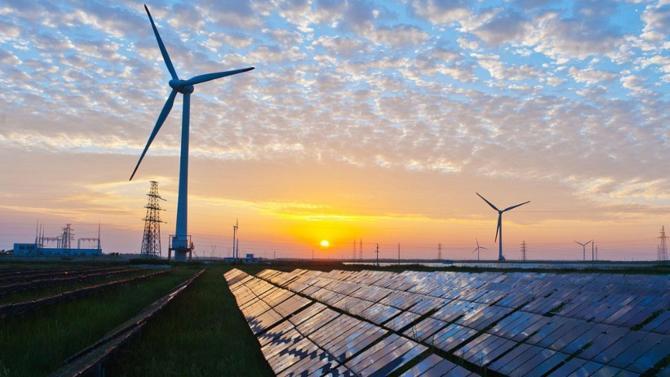 La Californie est déterminé à combattre le réchauffement climatique. Le gouverneur Jerry Brown a annoncé que l'État s'est mis pour objectif de s'approvisionner en énergie « propre » et ce en totalité à partir de 2045.