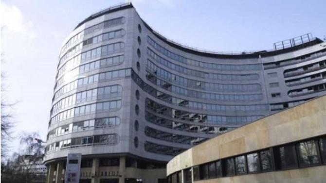 Récemment rénové, l'immeuble Passy Kennedy va être racheté par Cegereal pour un montant de 218 millions d'euros. L'immeuble, situé dans le 16ème arrondissement, héberge des locaux de Radio France.