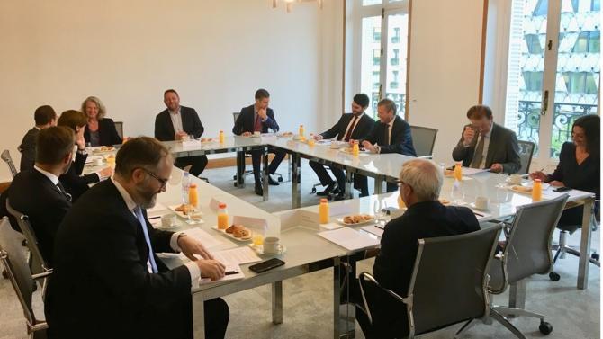 Le cabinet Betto Seraglini a réuni un prestigieux parterre de professionnels du droit des affaires afin d'échanger sur la Dispute Avoidance. Au programme des discussions : le contract management (1/5), le dispute board (2/5) la négociation raisonnée (3/5), la médiation (4/5) et l'expertise (5/5).