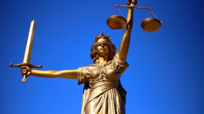 Les personnes à faible revenu ont droit à une aide financière pour faire face aux frais de justice. C'est l'aide juridictionnelle. Conditions, barème, plafond, divorce… Voici ce qu'il faut savoir.
