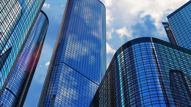Depuis sa création dans les années 1950, le private equity n'a cessé de grandir pour couvrir davantage de franges du financement des entreprises. Aujourd'hui, l'industrie continue à séduire investisseurs et entrepreneurs tandis que la Bourse marque le pas.