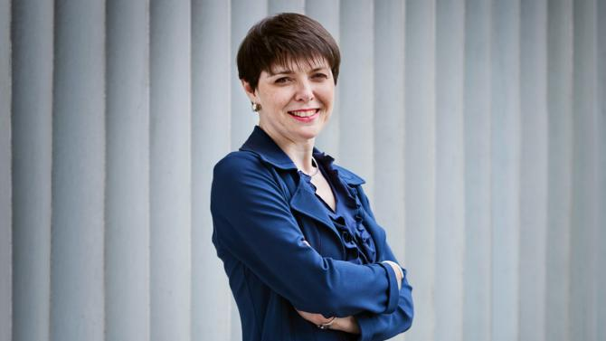 Directrice du développement durable de Candriam, Isabelle Cabie a pour mission de promouvoir l'investissement socialement responsable (ISR) au sein de la société de gestion, ainsi qu'auprès des entreprises et des pouvoirs publics. Elle revient sur sa vision du marché.