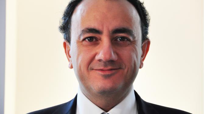 Associé chez Weil Gotshal, David Aknin est un des 50 meilleurs avocats du barreau d'affaires édition 2018. Il fait partie de la famille des rainmakers.