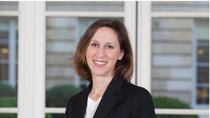 Bénédicte Graulle est un des 50 meilleurs avocats du barreau d'affaires édition 2018. Elle fait partie de la famille des rising stars.