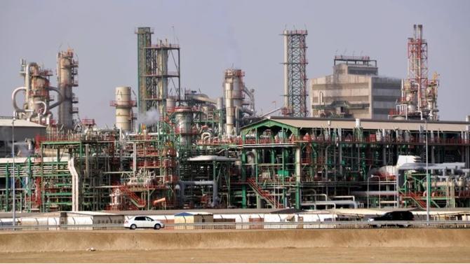 Membre depuis 1961, le Qatar va quitter l'Opep. Une annonce choc faite par le ministre de l'Énergie, le lundi 3 novembre. Cette déclaration s'inscrit dans un climat de tension entre l'émirat et son voisin saoudien qui lui impose un embargo économique depuis un an.
