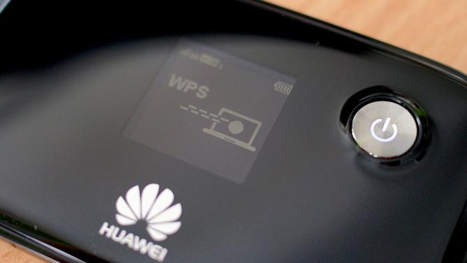 L'arrestation par le Canada de Meng Wenzhou, une des principales dirigeantes du groupe chinois des télécoms Huawei, est un épisode de plus dans la bataille à laquelle se livrent les États-Unis et la Chine pour la mise en place de la 5G, la nouvelle génération de communications mobiles. Une arrestation très politique qui risque d'avoir des conséquences diplomatiques comme économiques.
