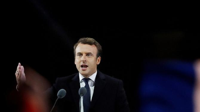 En réponse aux revendications des Gilets jaunes, Emmanuel Macron a formulé plusieurs annonces. Sans pour autant changer de cap.