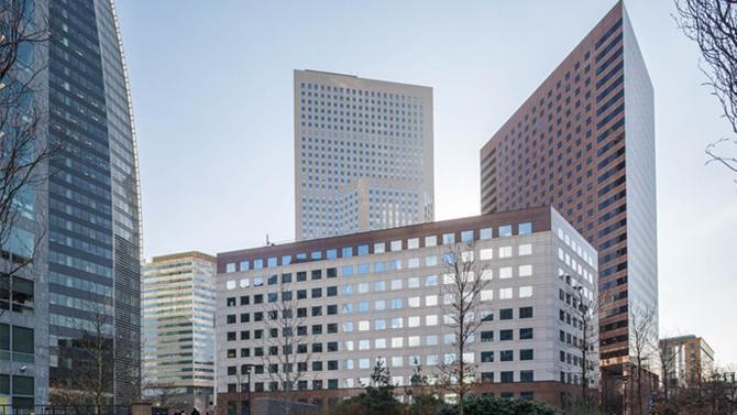 J.P. Morgan Asset Management a acquis le Colisée Gardens auprès d'Allianz Real Estate. Cet ensemble de bureaux composé de trois immeubles et situé à La Défense a récemment été rénové.