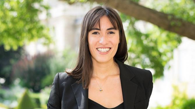 Souvent qualifiée de « députée geek », Paula Forteza, élue LREM des Français d'Amérique latine, est persuadée que le digital peut se mettre au service de la démocratie. Elle montre l'exemple à l'Assemblée nationale.