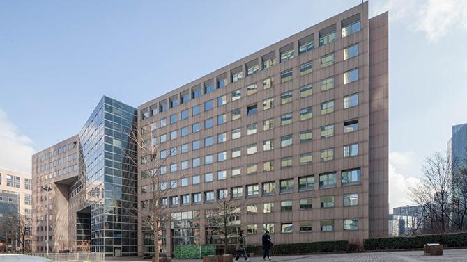 Keys Asset Management vient de réaliser l'acquisition de l'immeuble Jean Monnet au 11 place des Vosges à Courbevoie auprès d'AEW qui agissait pour le compte d'un investisseur institutionnel.