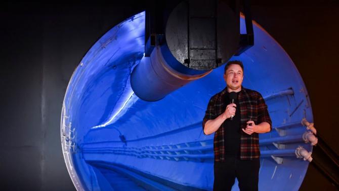 Mercredi 18 décembre, le fondateur de Paypal a présenté son tunnel supposé résoudre les problèmes de circulation et changer radicalement le monde des transports urbains. Bien qu'à ses balbutiements, la nouvelle invention du milliardaire pourrait, à long-terme, redessiner la manière d'aménager le territoire.