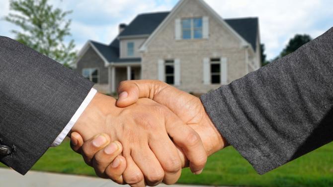 Selon la treizième édition du baromètre Crédit Foncier / CSA sur le moral des professionnels de l'immobilier, six acteurs sur dix se déclarent optimistes pour les douze prochains mois, soit un recul de 20 points sur un an.