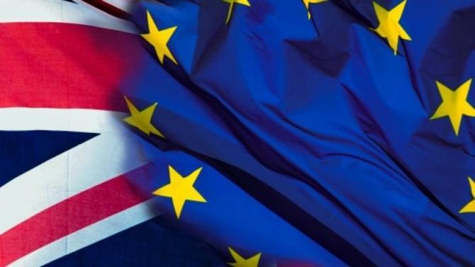 Le dossier Brexit, que l'on aurait pu croire en voie de résolution, s'enlise dans la crise au point que l'option du no deal, un temps écartée, semble à nouveau la plus crédible.