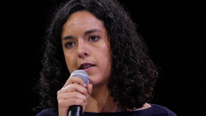 C'est une jeune femme novice en politique qui mènera la France insoumise aux européennes. Sa mission : donner une image ouverte du mouvement et l'installer comme première force de gauche.