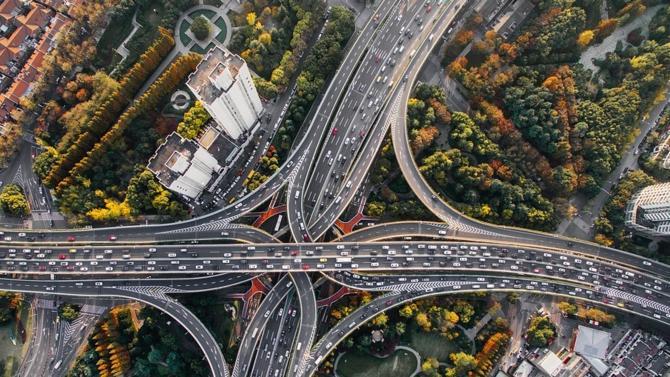 Cushman & Wakefield a identifié de nouveaux corridors de transport qui verront le jour d'ici à 2030. En voici le détail.