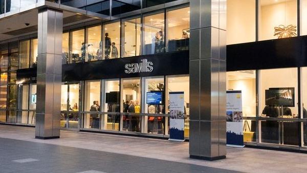Savills Investment Management, a racheté deux centres de marques auprès d'Ares Management Corporation et de McArthurGlen, pour environ 300 millions d'euros. Superficie totale : 47 300 mètres carrés.