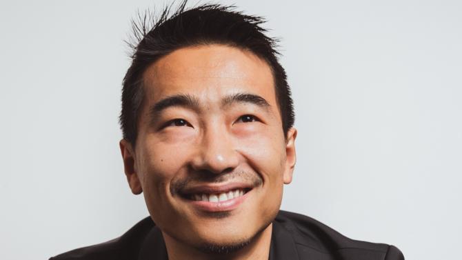 Xiaomi, le quatrième constructeur mondial de smartphone, s'installe durablement en France avec l'ouverture d'une nouvelle boutique sur les Champs-Élysées. Rencontre avec Yan Liu, Country Manager France de Xiaomi, pour décrypter les projets de la marque chinoise.
