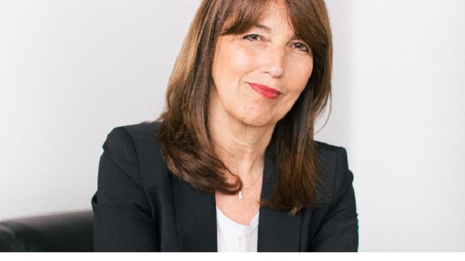 Directrice de la compliance et de l'éthique de Valeo et présidente du Cercle de la compliance, Catherine Delahaye est un modèle dans la prévention des risques et la lutte anticorruption en France. Son expérience technique de la réglementation et pratique en entreprise est une mine de conseils.