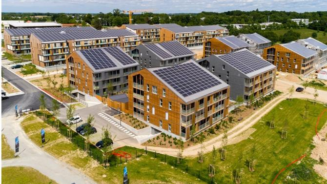 En septembre 2018, Territoires Publics accompagné par Energ'iV a lancé un appel à candidatures portant sur l'installation de centrales solaires dans la future ZAC Chêne Morand qui va être aménagée à Cesson Sévigné (35).