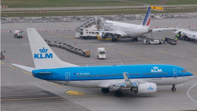 Le 26 février, les Pays-Bas annoncent monter au capital d'Air France-KLM afin de peser sur l'avenir de la compagnie. Une décision, mal vécue par l'État français, actionnaire de référence d'Air France, et qui marque le début d'une nouvelle zone de turbulences.