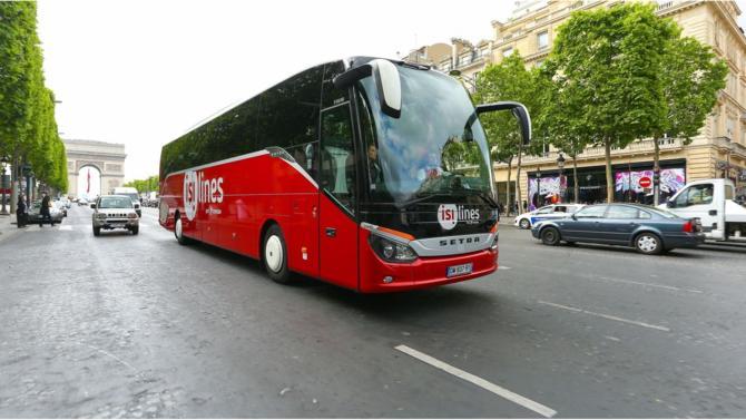 Transdev cède ses bus Macron et laisse le marché aux mains de deux acteurs. Blablacar, qui finalise l'acquisition des cars Ouibus, et FlixBus.