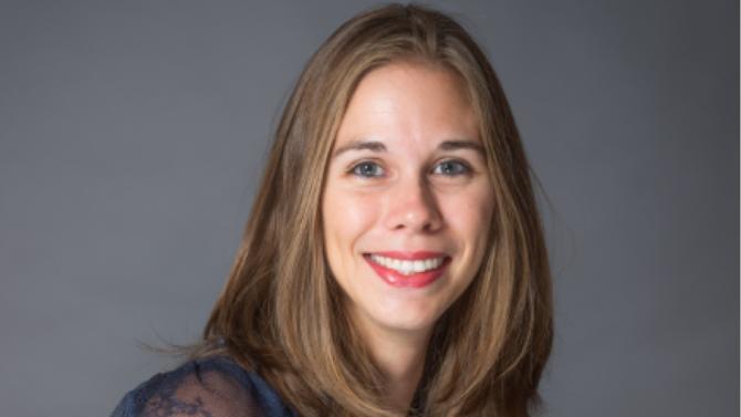 Émilie Cappai, directrice des talents du groupe Barrière, est engagée dans une politique RSE forte où la formation inclusive a toute sa place. Parcours diplômants, recrutement de travailleurs handicapés… La stratégie globale du groupe est tournée vers la diversité.
