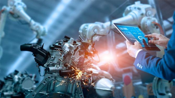 Entre intelligence artificielle, cobotique, réalité augmentée, Internet des objets ou blockchain, un nombre croissant d'entreprises profitent d'avancées technologiques qui bousculent l'ensemble du processus de production et qualifient cet inexorable mouvement de « quatrième révolution industrielle ». Mais l'opportunité de développer l'entreprise de demain menacerait l'emploi. Un sujet qui fait débat.