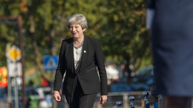 Coup de poker ou dernière cartouche : mercredi 27 mars 2019, Theresa May annonce mettre son poste de premier ministre dans la balance du Brexit pour sauver l'accord négocié avec Bruxelles.