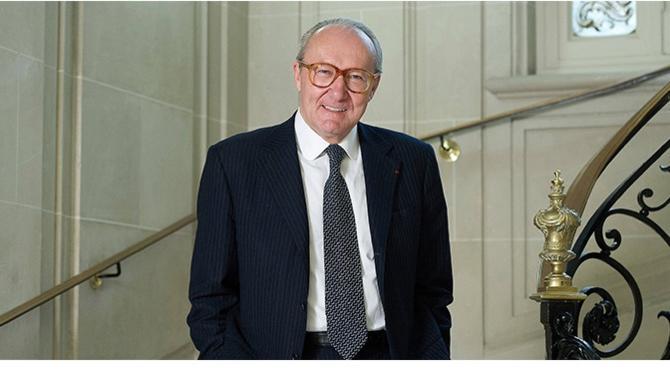 Le procès Tapie connaît un nouveau rebondissement depuis le 1er avril. Jean-Pierre Martel, avocat du Consortium de réalisation, y joue un rôle central.