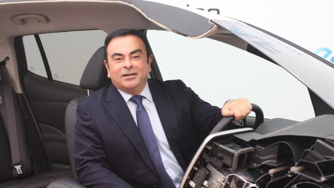 Le 4 avril, l'ancien dirigeant de l'alliance Renault-Nissan-Mitsubishi a été arrêté à son domicile. Il lui serait reproché d'avoir utilisé l'argent du groupe pour s'acheter un yacht et financer la start-up de son fils. Le dirigeant s'estime victime d'un complot.