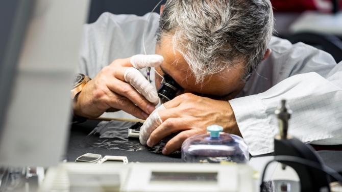 Lorsque Richard Mille parle de sa marque, il assume sans réserve  sa différence vis-à-vis des manufactures traditionnelles…Entrepreneur-né, relevant tous les défis, l'homme a su créer un concept. Et pas n'importe lequel, l'un de ceux qui fonctionnent le mieux au sein de l'industrie horlogère.