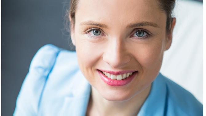 L'ancienne associée du cabinet Carakters Solenne Brugère fonde une structure inédite par son positionnement centré sur le conseil aux entreprises dans leur démarche de conformité aux règles d'éthique et sur une nouvelle approche : la convivance.