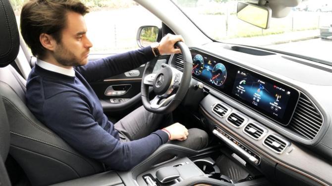 Directeur général de Templus, filiale française du groupe Frédérique Constant et distributeur de grandes marques horlogères (Alpina, Frédérique Constant, Meistersinger, Citizen, Ateliers DeMonaco), Yohan Bizy a testé le dernier SUV GLE 300d 4Matic AMG Line de Mercedes.