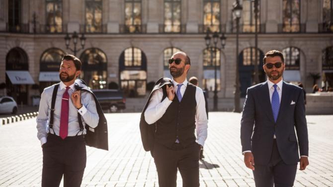 Popularisée par des clients comme Charles de Gaulle ou Nicolas Sarkozy, le tailleur sur mesure, Stark & Sons fidélise, depuis un nouveau virage amorcé il y a cinq ans, une clientèle avertie. Rencontre avec Charles de Luca, l'une des clés de voûte de l'enseigne familiale.