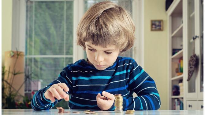 Comment transformer en profondeur le rapport des individus à l'économie? En commençant par enseigner aux enfants les fondements d'un capitalisme rénové. C'est le pari de Give Nation et de son fondateur Arnaud Saint-Paul.
