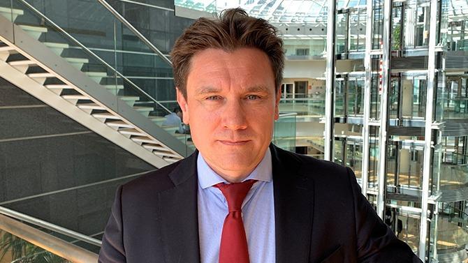 Avec le rachat de ses activités «énergie» par General Electric, Alstom a dû s'adapter à son nouveau statut d'entreprise dédiée au secteur des transports. Franck Gaillard, directeur de la formation, a pour mission de contribuer à l'amélioration de la compétitivité du groupe.