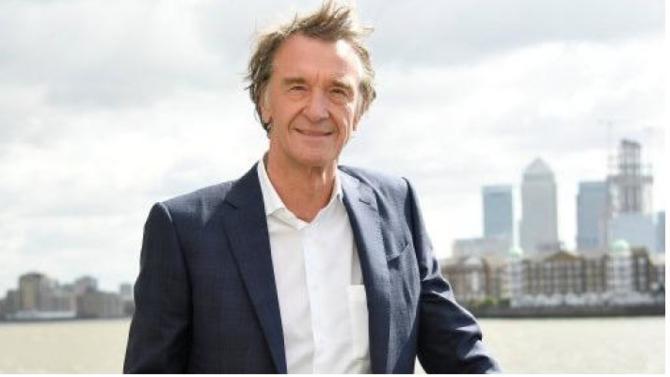 Entrepreneur sur le tard et issu d'un milieu modeste, Jim Ratcliffe a fait fortune dans la pétrochimie grâce à sa société Ineos. Un secteur qui lui a permis de décrocher le titre de britannique le plus riche. Homme discret et partisan du Brexit, il est depuis cet été résident fiscal à Monaco.